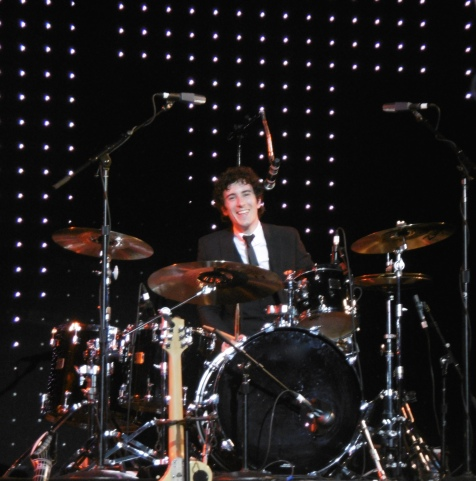1960s band, 60s show, 60s theatre band, band for 1960s party, band for 60s night, band for 60s theme, Simon small drums